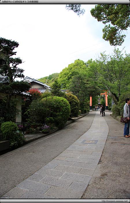 参道(早蕨の道)〜宇治上神社