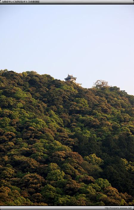 吉香公園エリアから見る岩国城天守