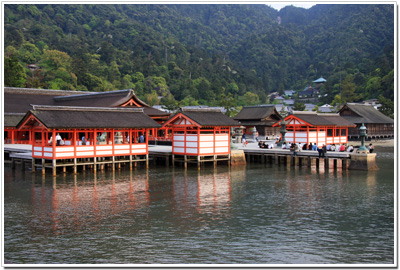 海の中の厳島神社