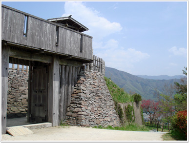 荒砥城・二の郭の門
