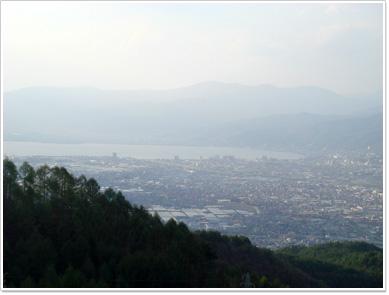 杖突峠から見た諏訪湖