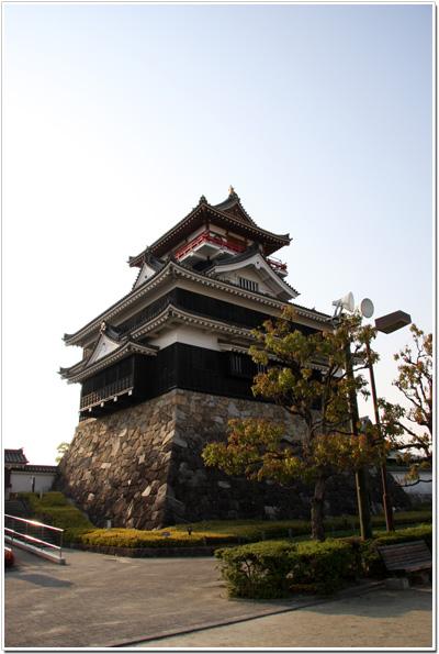 公園側から見た清洲城