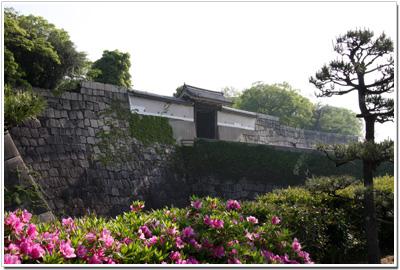 大阪城〜桜門001