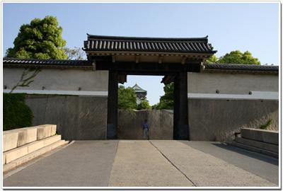 大阪城〜桜門