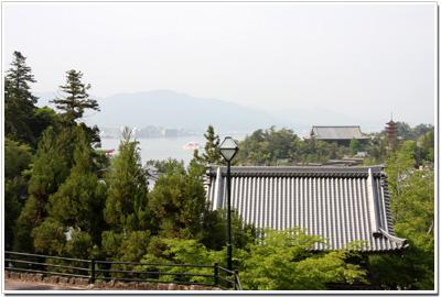 大聖院から見た厳島神社方面