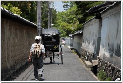 奈良の町を駆ける人力車