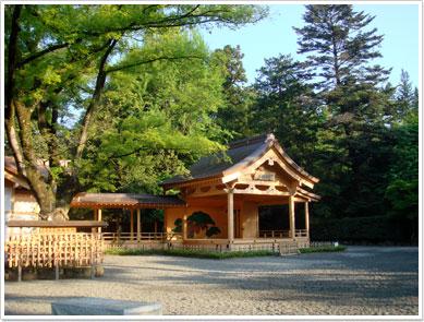 武田神社(甲陽武能殿)