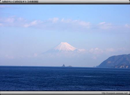 伊豆から見る富士山